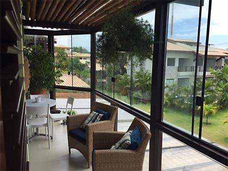 Apartamento Duplex de Três Apartamentos em Localização Privilegiada