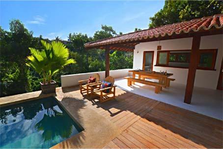 Casa de 2 Quartos em Localização Privilegiada com Vista do Mar e da Floresta