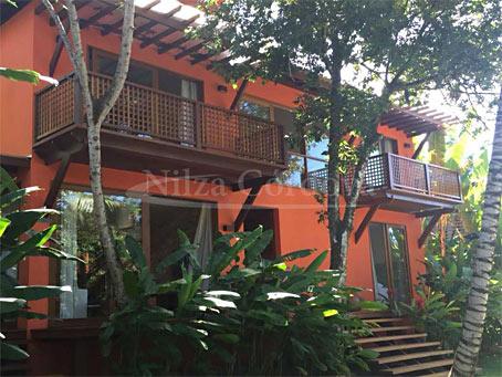 Arraial d'Ajuda – Casa de Quatro Quartos à Beira-Mar