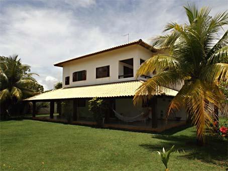 Casa de 5 Quartos Com Casa de Apoio em Condomínio à Beira-mar