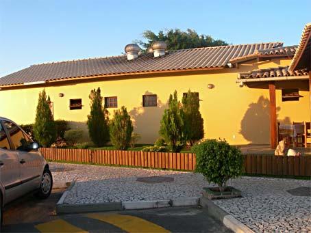Restaurante Tradicional de Frente para a Lagoa em Guarajuba