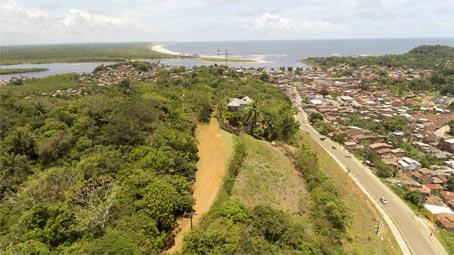 Terreno com Vistas do Rio e Mar, Próximo ao Centro da Cidade