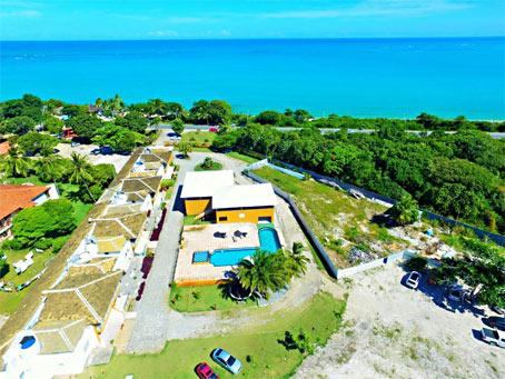 Apartamento de 2 Quartos em Condomínio à Beira-Mar próximo à Praia do Muta