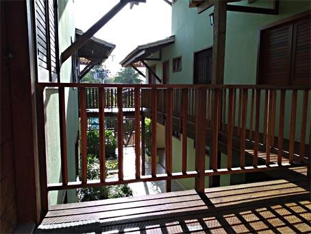 Apartamento Duplex Com 2 Quartos Em Boa Localização Próximo à Vila