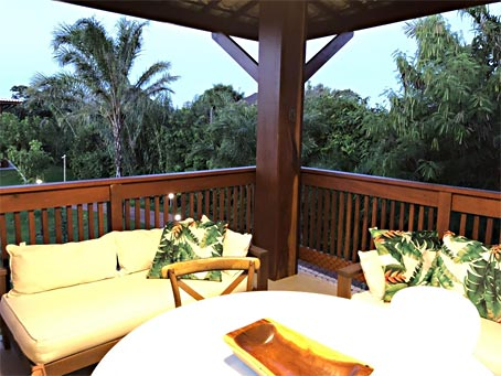 Praia do Forte - Apartamento de 4 Quartos em Condomínio Premium