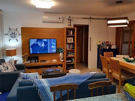 Apartamento de Três Quartos no Condomínio Piscinas Naturais