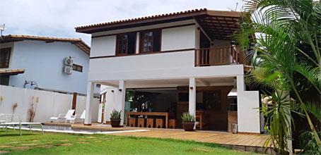 Casa de Seis Quartos em Localização Premium Próxima à Praia