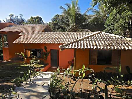 Casa de 2 Quartos Com Chalé Próxima à Vila