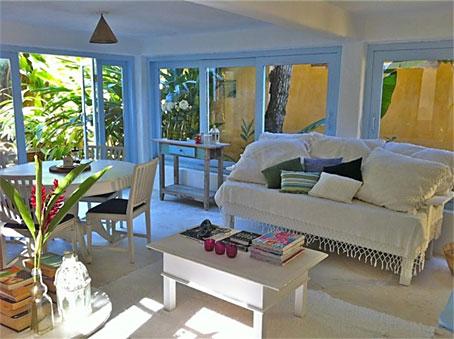 Grande Casa de Cinco Quartos Próxima à Praia