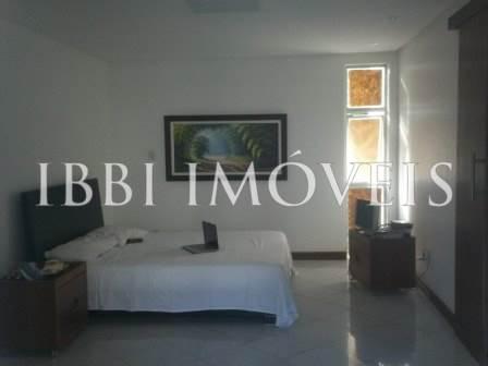 Excelente apartamento de 4 quartos no Morro do Gato 7