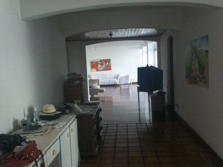 Excelente apartamento de 4 quartos no Morro do Gato 5