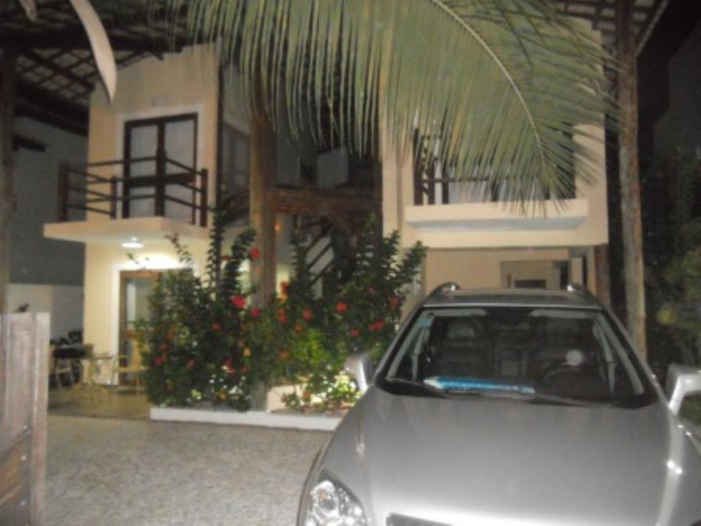 House with 4 Bedrooms Condominium 1