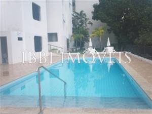 4 bedrooms 2 large apartment bathrooms in Graca