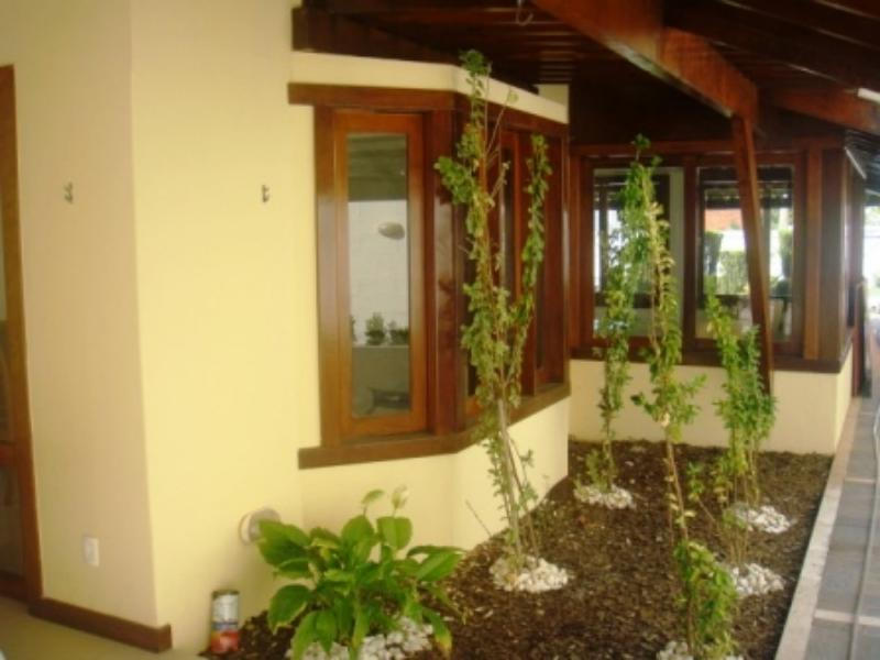 Excellent house with 4 Bedrooms in villas 6