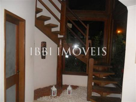 House with 4 Bedrooms Condominium 13