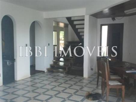 House with 6 bedrooms 3 floors in Piata 9