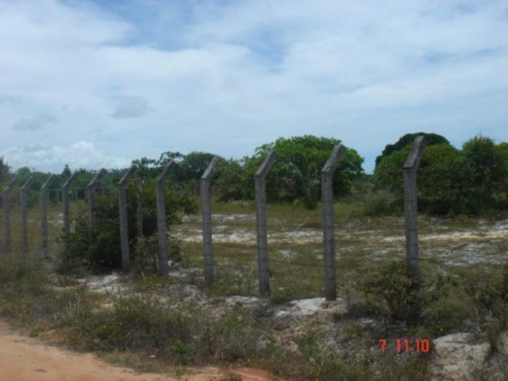 Land with 2.725m2 3