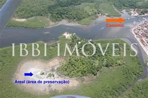 Isola con una superficie di 73.000 m2