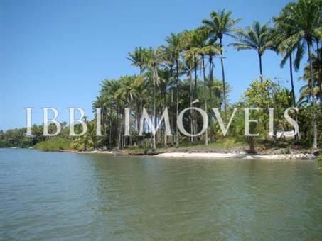 Island, cerca de la Península de Camamu 2