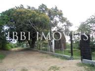 Terreno com 2 casas em São Cristovão
