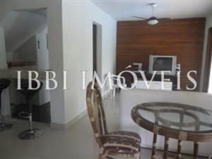 House 4 Rooms in Condominium