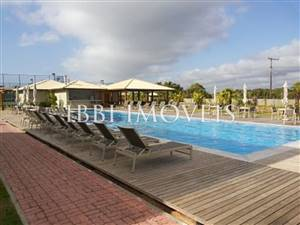 Apartment With 3 Bedrooms In Condo