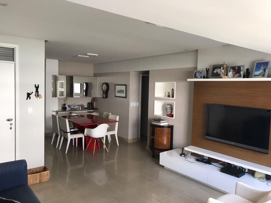 Apartamento Com Ótima Localização 1