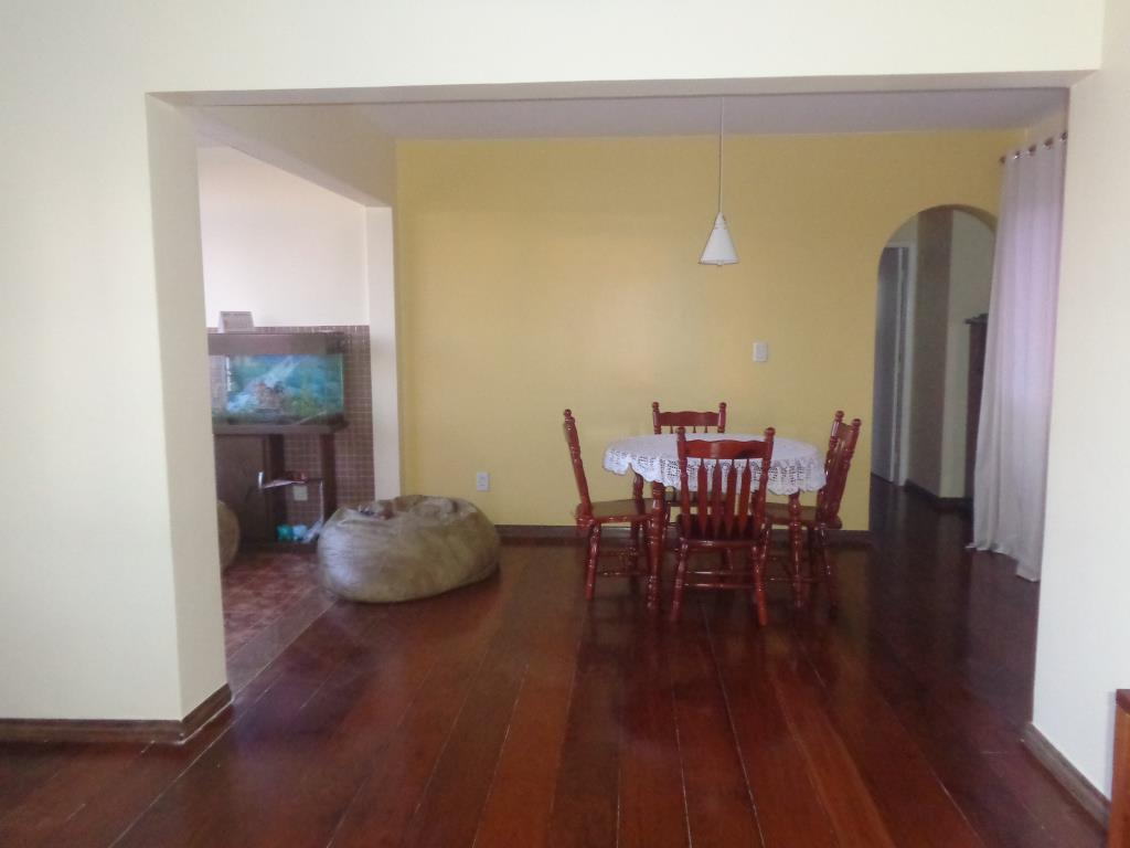 Apartment With Three Rooms 4
