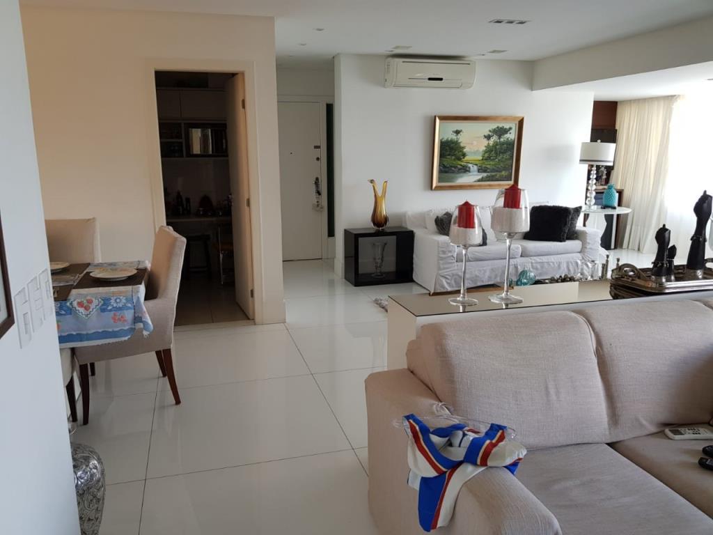 Apartamento De Luxo Bem Localizado  4