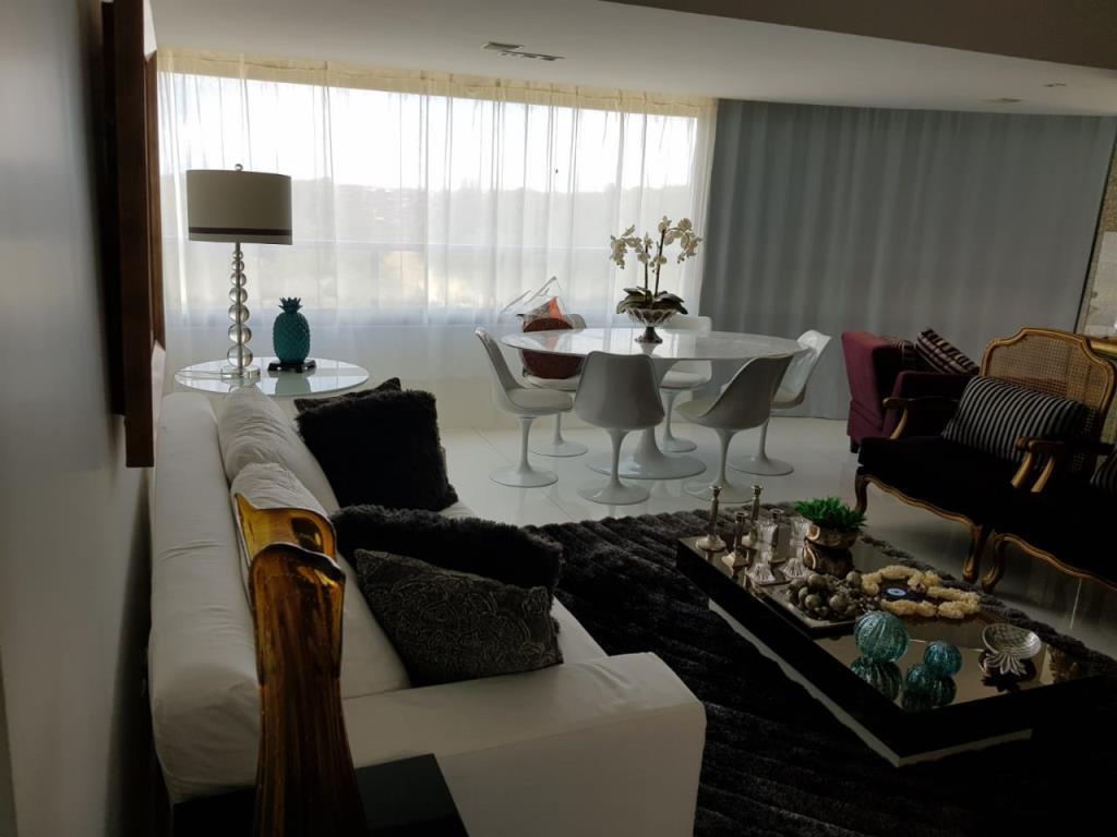 Apartamento De Luxo Bem Localizado  6