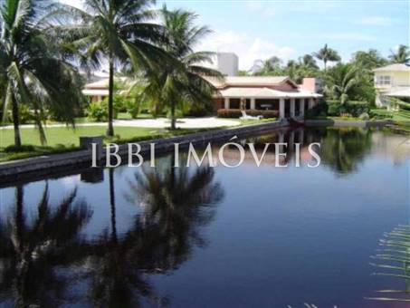 Luxury home in excellent location at Interlagos 1