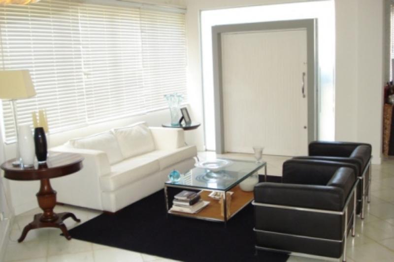 Hermosa casa de 3 suites en Guarajuba 3