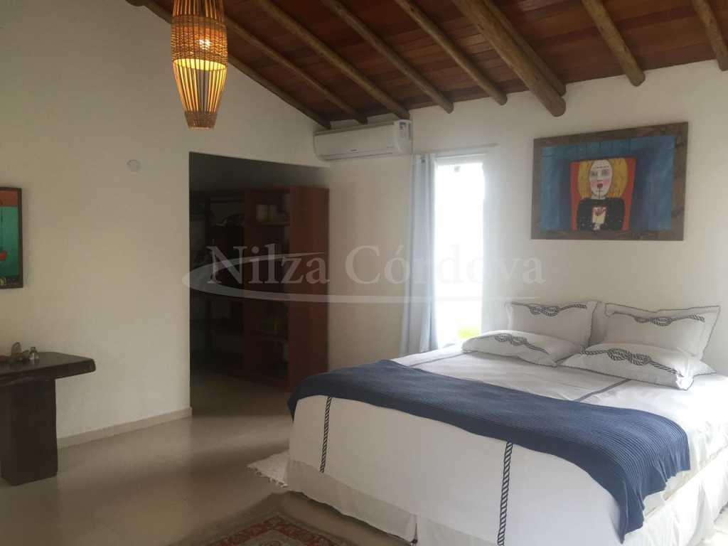 House 400m From The Beach In Arraial. 4
