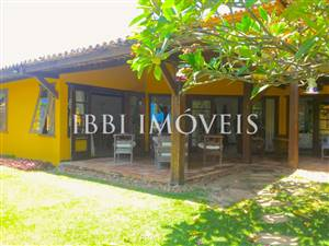 House With 3 Bedrooms In Condo