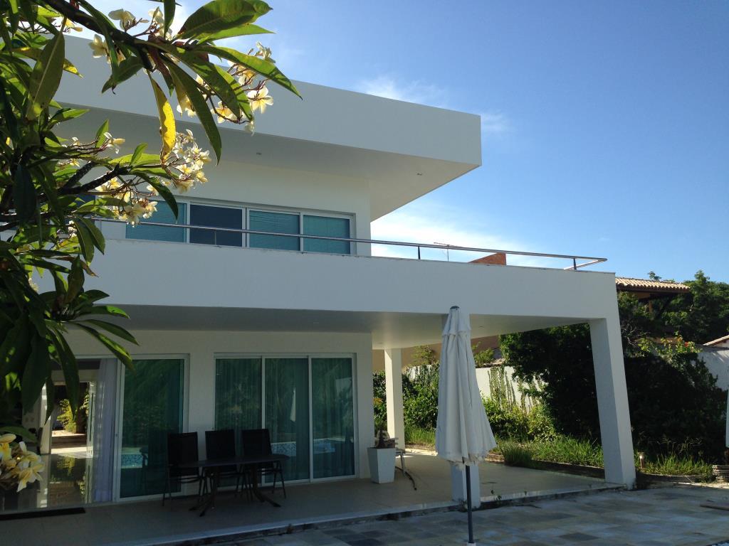 Casa de luxo beira mar e com um design moderno itacimirim for Casa design moderno
