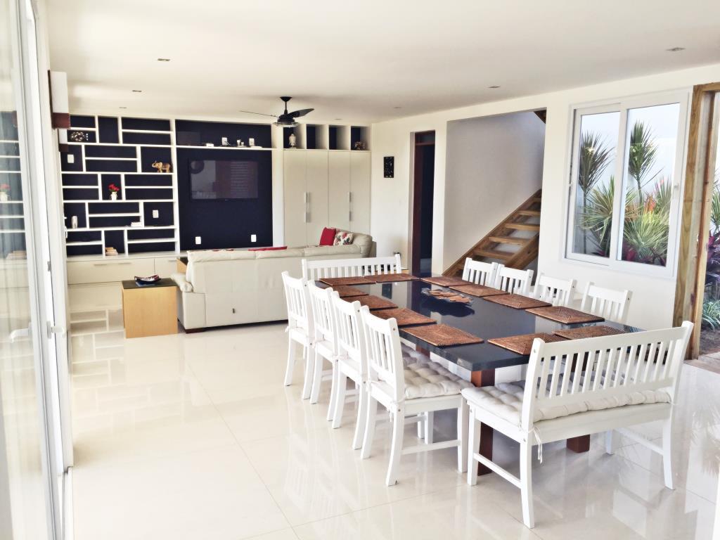 Casa De Luxo Situada Em Um Dos Condominios Mais Procurado Da Regiao 5