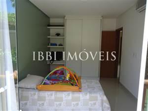 Casa su due piani con 04 appartamenti