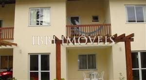 Duplex house with 2 bathrooms In Great Location