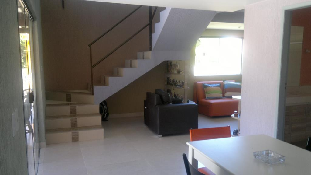 House In Gated Community With 2 Floors 4
