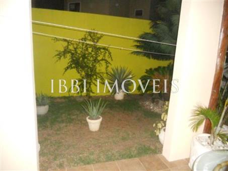 House with 4 Bedrooms Condominium 5