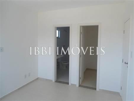 Charming home located in upscale condominium 4