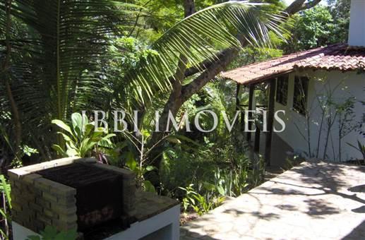 Houses De condominium Well Located 8