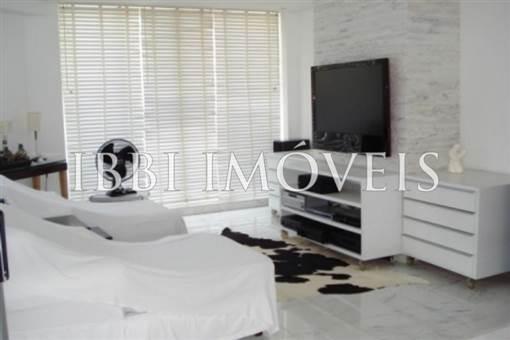 Hermosa casa de 3 suites en Guarajuba 8