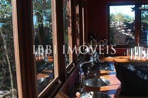 Eco House realizzato in un bellissimo e lussureggiante area nella Chapada Diamantina-Fogli