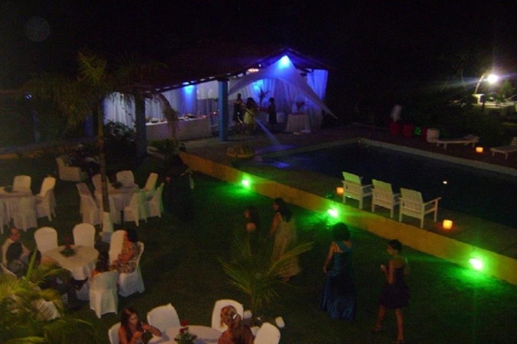 Hotel / Hostal En La Playa De 5