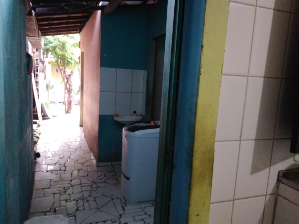 Commercial Building A 50M Da Praia 8