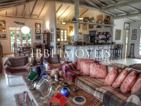 Fantastic Property With Panoramic Views 4