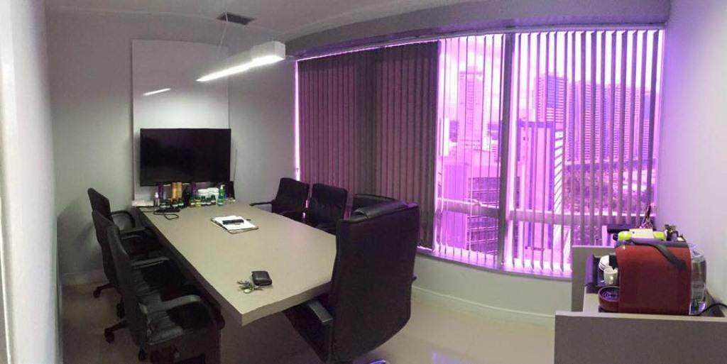 Commercial room 1