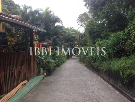 Ample Plot Near Gamboa Beach 4