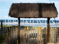 Linda Casa Com 58M De Praia Localizada Próxima A  2